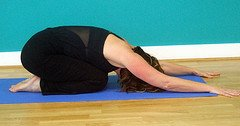 yoga detox seven simple yoga stretches to cleanse your body